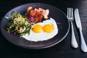 Каши, оладьи и яйца пашот: Где завтракать в Москве