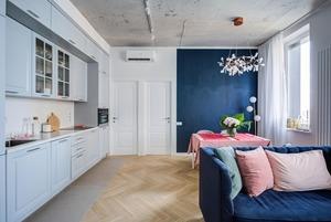 Четырехкомнатная квартира с бетонным потолком на «Технопарке»