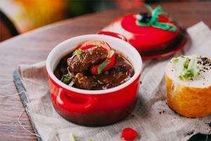 Винный ресторан The Safe, вегетарианское кафе Rootz, обновлённое меню «Рубинштейна»