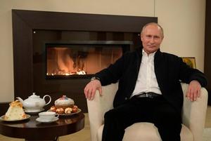 «Живой энергии не наблюдаю»: Дизайнер интерьеров комментирует обстановку в кабинете Путина