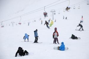 Где и за сколько можно покататься на лыжах в России