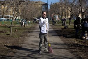 Участники первого субботника «Метлы» — о грязи начистоту