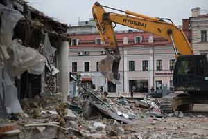 Под ковш: Что происходит с павильонами в Москве