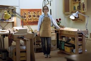 Как в мастерской «Хронотоп» реставрируют советскую мебель