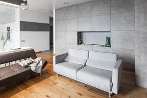 Монохромная квартира-шкаф с тайной комнатой