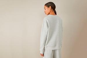 «Сейчас не до шопинга»: Как выживают дизайнеры и владельцы магазинов одежды