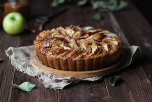 Сезон яблок: 3 рецепта пирога