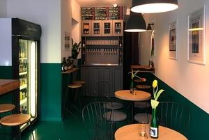 Кафе-бар «Небо и вино» на крыше, маття-кофейня «Салют» и бар Spontan с пивом спонтанного брожения