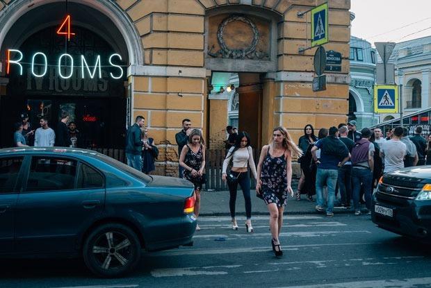 Дикая Думская: Что происходит на главной барной улице России