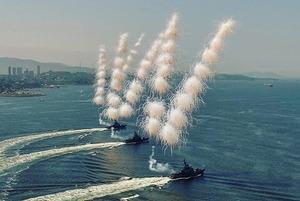 Как Владивосток  отметил День ВМФ