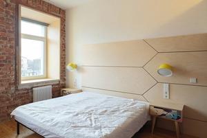 Квартира с интерьером из фанеры на Обводном канале