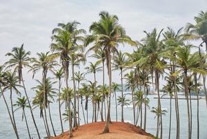 «На острове один аппарат ИВЛ, и туристам он вряд ли достанется»