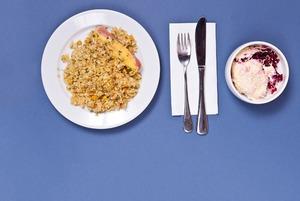 Макароны, сосиски, майонез: Чем кормят в московских школах