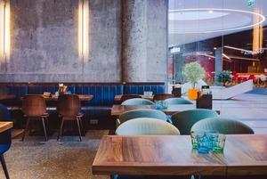 Farro, винный бар Classica и Wood Wood Burgers