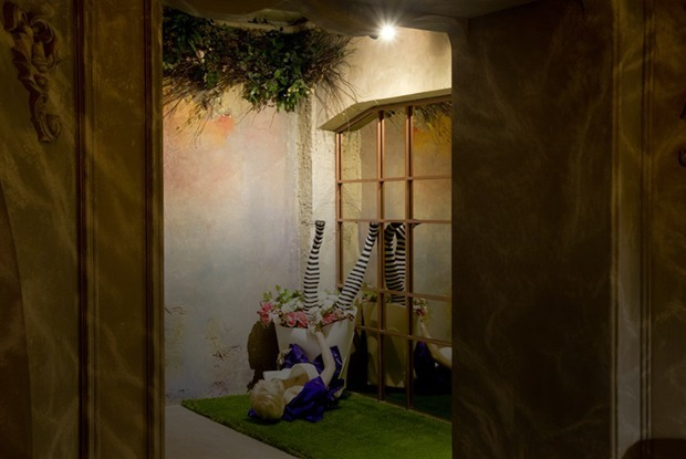 Флагманский ресторан Plov в духе «Алисы в Стране чудес» в Доме печати