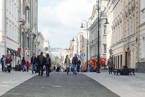 Как прогуляться по пешеходным улицам Москвы за десять минут