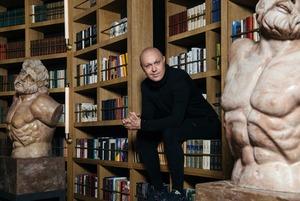 Почему промоутер Синиша Лазаревич променял клубы на ресторан-библиотеку