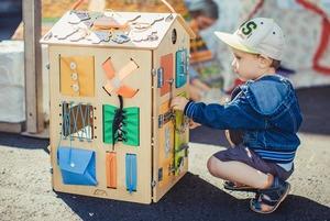 Семейные выходные: «Театральный марш», Maker Faire Moscow и книжная ярмарка на ВДНХ