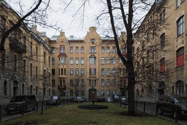 Я живу в доходном доме Лидваль (Петербург)