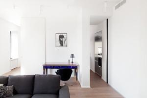 Квартира в современном стиле в доме с высокими потолками