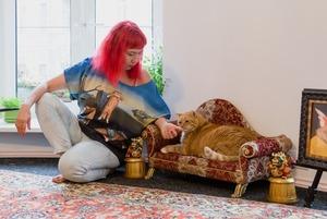 «Тотальная котификация»: Автор мема «кот Заратустра» — о своей квартире на улице Рубинштейна