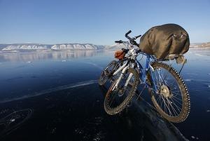 Чихнул — упал: Как пересечь Байкал по льду на велосипеде