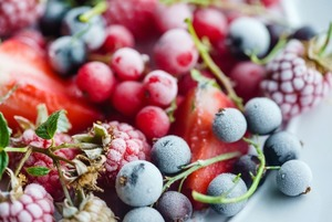 Замораживать ягоды в сезон