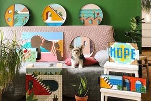 Диванная выставка: Картины москвичей на диванах и кушетках