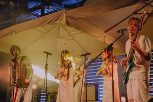 Как «Залпом» стали серьезнее на новом альбоме «Лес видит»: Мантры, фит с i61 и фольклор