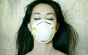 Дышите глубже: люди в масках