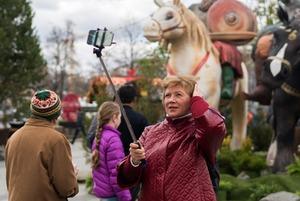 «Больше всего понравился ослик»: Москвичи — о странных объектах на городских улицах