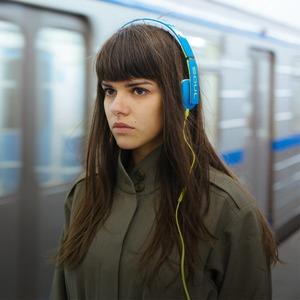 8 пар наушников:  Тест-драйв в метро