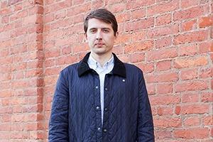 Внешний вид: Александр Клыпин, сотрудник Volga Volga Brand Identity