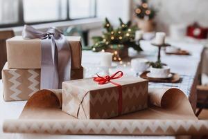Передаривать ненужные подарки