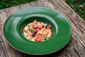 Гастрогалерея, «Домик в саду» и «Русалка суши»