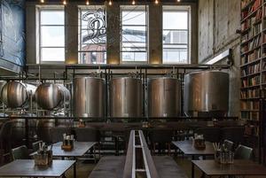 Бар при пивоварне: Poet Brewery & Bar