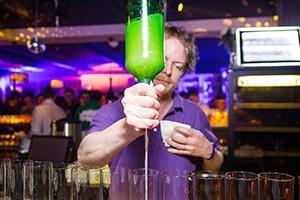 Интервью: Создатели лондонского бара Trailer Happiness — о барной культуре