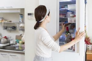 Навести порядок в холодильнике и хранить продукты по всем правилам