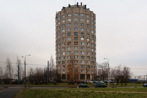 Я живу в доме-«стакане» в Купчине (Петербург)