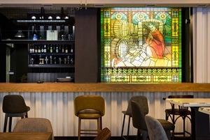 Бельгийский бар Hopsinjoor напротив библиотеки Белинского