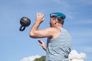 Фоторепортаж: День Воздушно-десантных войск в Петербурге