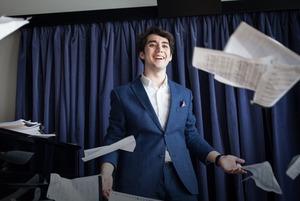 «Я пою в парижской опере, и про меня сняли фильм»