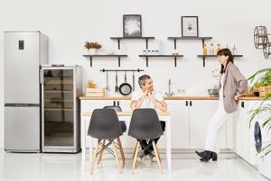«Посудомоечная машина спасает брак»: Что можно и нельзя дарить на свадьбу