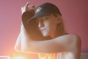 Варя Краминова из «Хадн дадн» — о нежности и сочувствии на новом альбоме «Ностальгия»