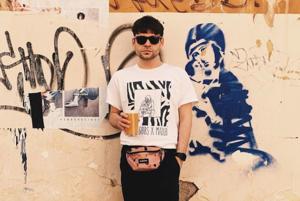 «Ледяной цимбальный ливень из Тель-Авива»: Ростислав Крымов — о любимой и новой музыке
