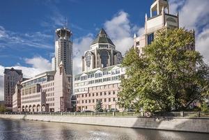 Кто владеет самыми противоречивыми зданиями Москвы?
