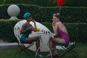 Красотка Райли Кио В Купальнике – Девушка По Вызову (2020)