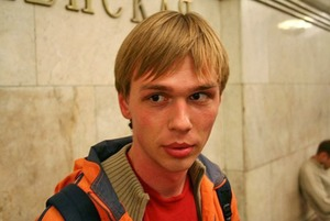 «Почти национальный герой»: Как Россия отреагировала на освобождение Голунова