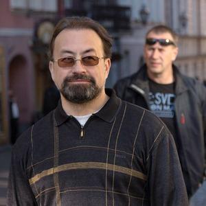 Психотерапевт Сергей Бабин об эпидемии депрессии, панических атаках и страхе близких отношений