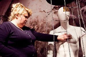 Люди в городе: Первые посетители музея эротики